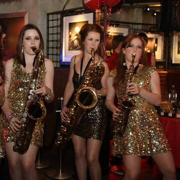 Mix & Mingle Saxophonists Female Attitude
