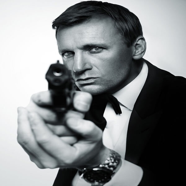 James Bond Lookalike (Daniel Craig)