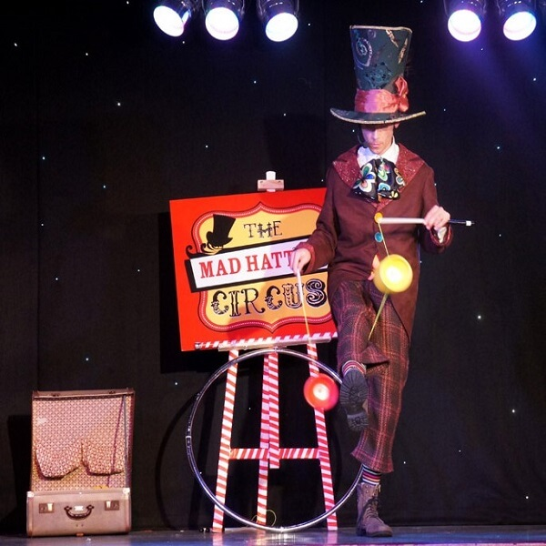 Themed Entertainment (Alice In Wonderland Mad Hatter's Circus Show)