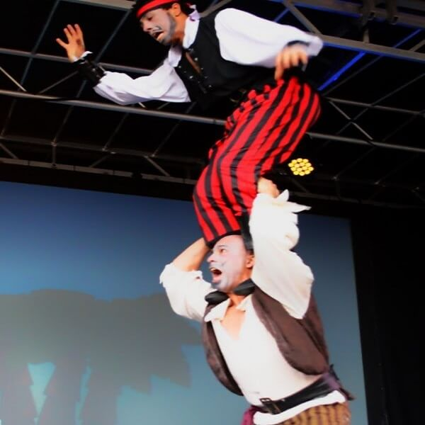 Acrobatic Pirates