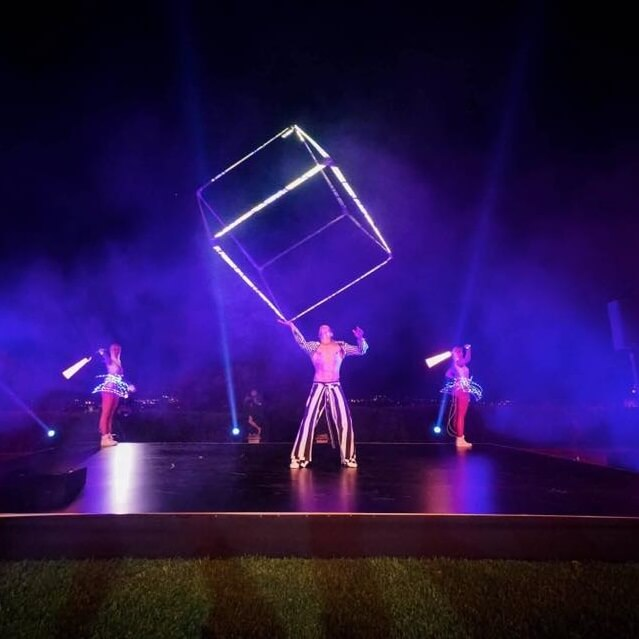 LED Cube Spinning Show