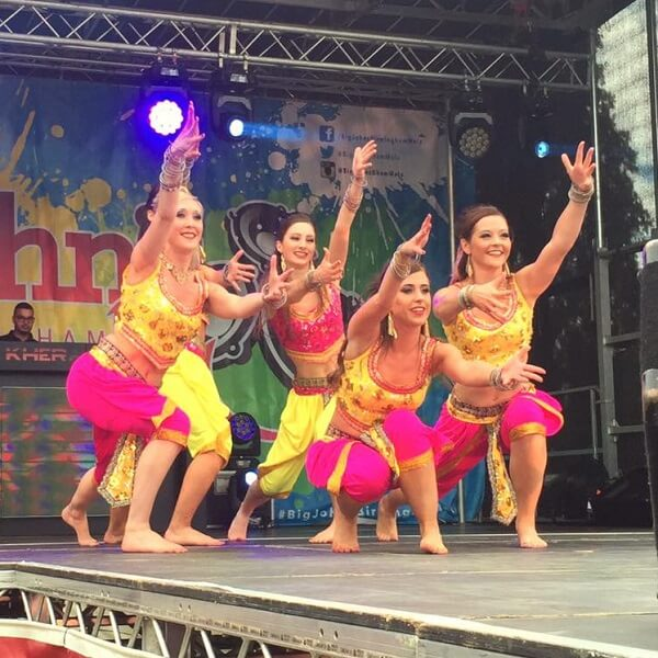 Bollywood Dancers (Bollywood Flavour)