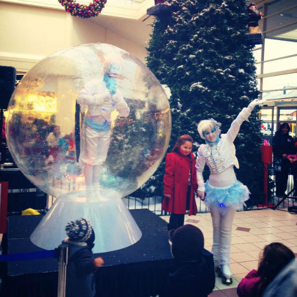 Snow Globe Ice Elves