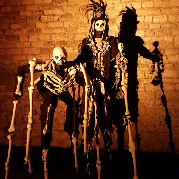Stilt Walkers (Skeletors)
