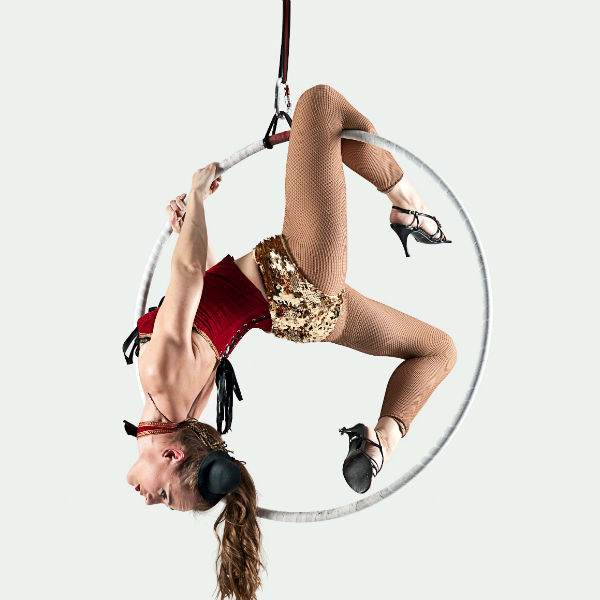 Acrobats & Aerial Acts
