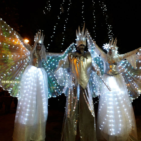 Stilt Walkers (High Risers)