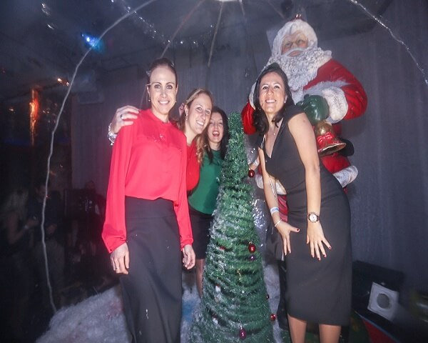 Giant Snow Globe & Christmas Bauble Photo Booths