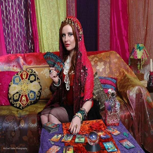 Fortune Tellers, Psychics, Clairvoyants