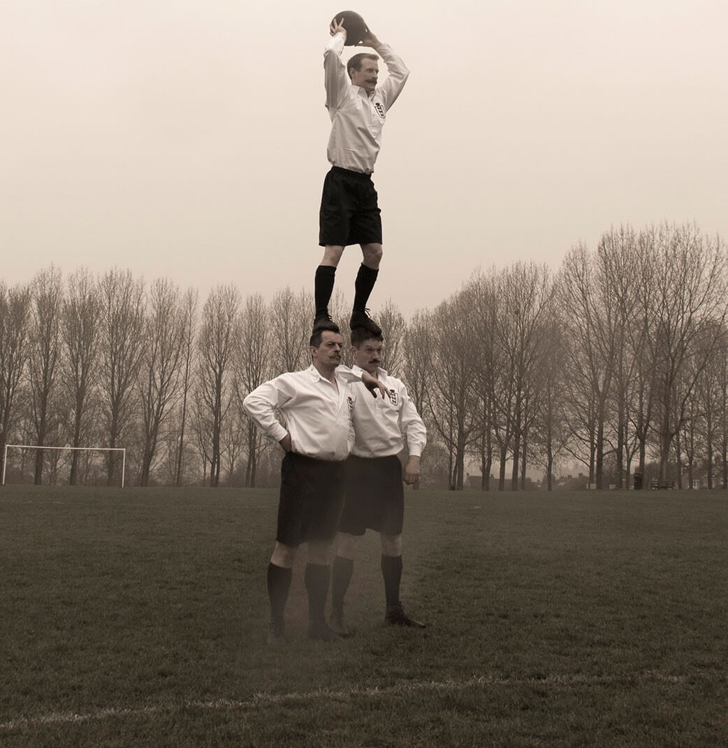 Comedy Acrobats - The Acrobatic Football Players